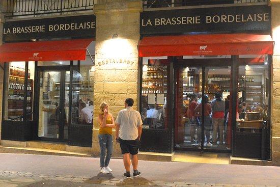 La Brasserie Bordelaise: Une façade attirante rue St-Rémy