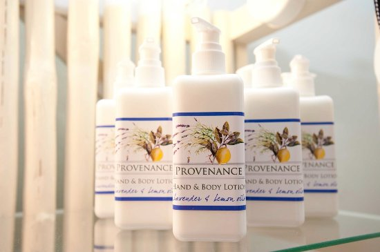 Херманус, Южная Африка: Lavender with Lemon oil hand lotions.  Light and nourishing to the skin.