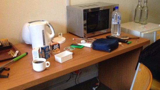 Fawkner, Australia: Making Coffee in the room with breakfast