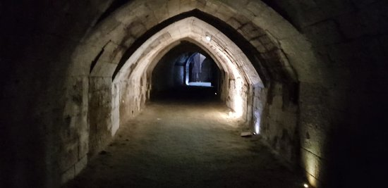 Fontevraud-l'Abbaye, France: 20170914_101131_large.jpg