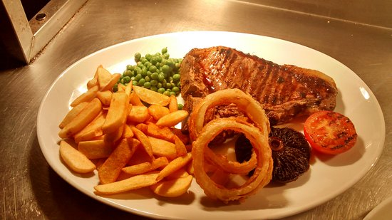 Salford Priors, UK: T Bone Steak with all the trimmings