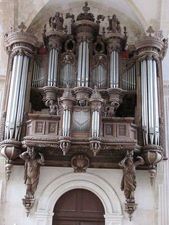 Eglise Saint-Michel: buffet d'orgue