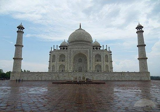 Taj Holiday Tour