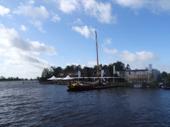 Oudega, The Netherlands: Is prachtig gelegen aan het water