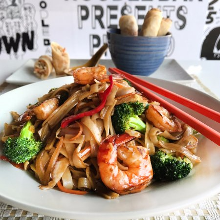 Noodle Bar Syntagma : Sweet and Sour Noodles with Shrimps