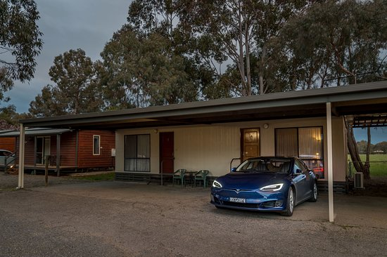 Wangaratta, Australia: Travelling from Darwin to Sydney in an Electric Car..