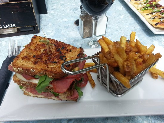 ‪‪Kincardine‬, كندا: Lakeside Reuben with fries,‬