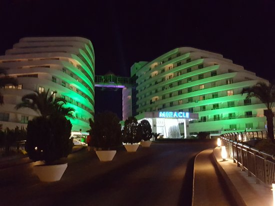 Miracle Resort Hotel Photo