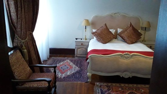 Tudor Hotel Photo
