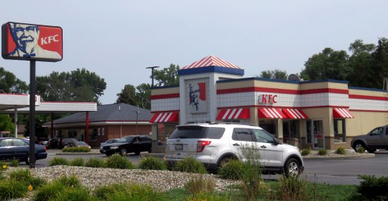 Munster, IN: front of KFC
