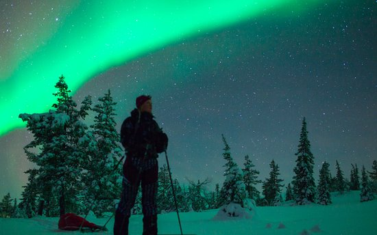 Saariselka, Finnland: Cross-country skiing under the Northern lights is an experience to remember.