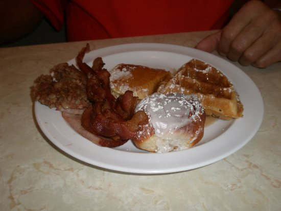 Sunny Side Up Diner: Food from buffet