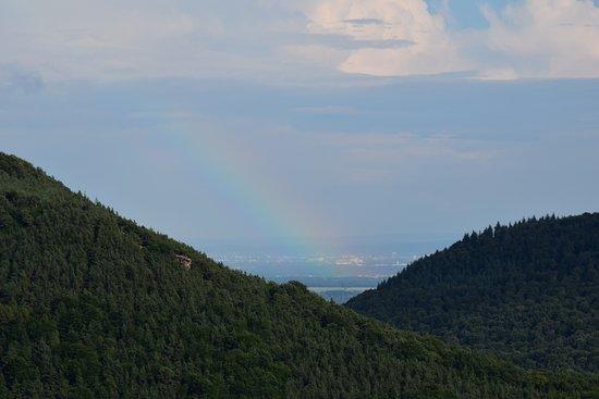 Annweiler am Trifels, Niemcy: Até o arco iris deu sua graça.
