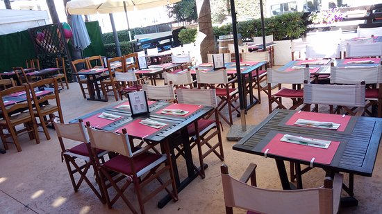 El Albir, Spanje: Our terrace can accommodate more than 50 people!!!