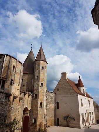 Chateauneuf, Frankreich: Vue de l'intérieur
