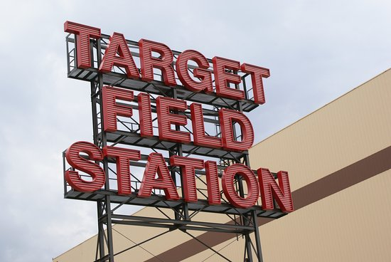 neon reklame picture of target field minneapolis tripadvisor. Black Bedroom Furniture Sets. Home Design Ideas