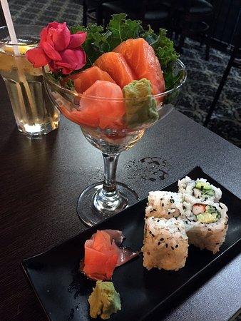 Aurora, كندا: Sake Sashimi