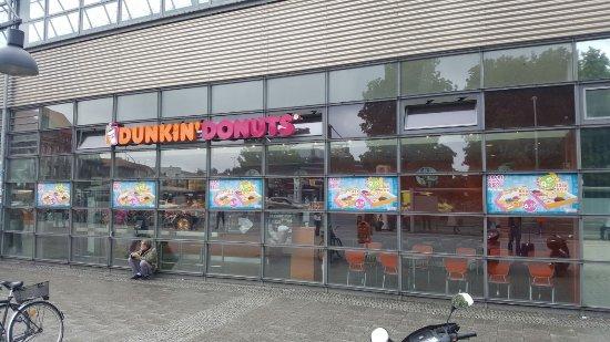 dunkin 39 donuts berlin bahnhof spandau segefelderstr restaurant bewertungen fotos. Black Bedroom Furniture Sets. Home Design Ideas