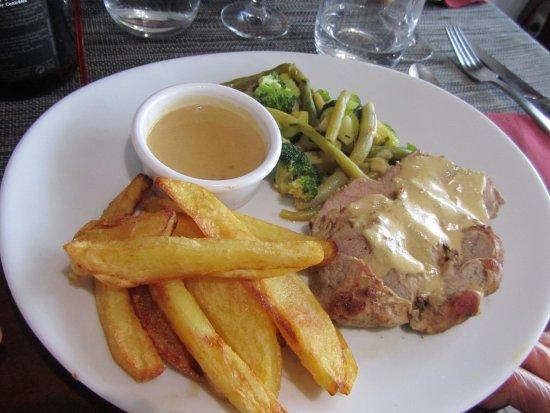 Tour-en-Sologne, France : Plat 01