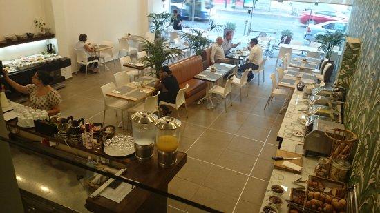 Mercure Tel-Aviv City Center: 朝食のビュッフェ