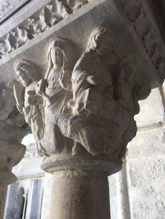 Cloître Saint-Trophime : photo1.jpg
