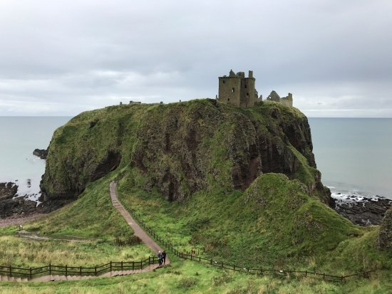 Stonehaven, UK : Aproaching the castle.