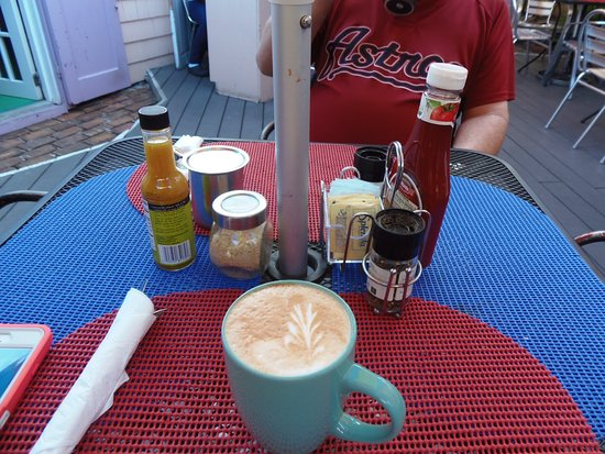 Beautiful & delicious latte at D Best Cup, West End, Tortola, BVI