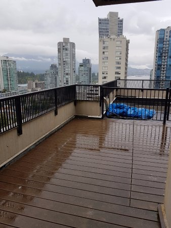 Delightful Riviera On Robson Suites Hotel Downtown Vancouver: This Is The Rooftop Patio  You Can Access