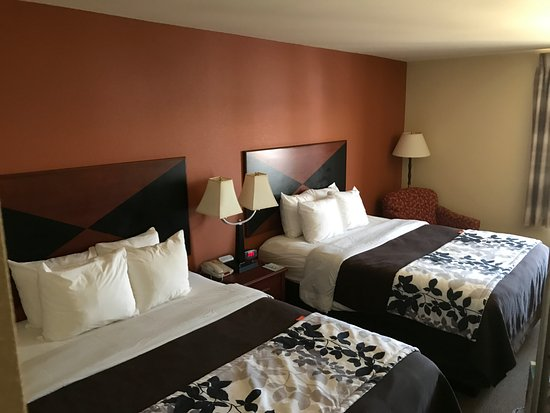 Sleep Inn & Suites Madison: Comfortable, clean room!!