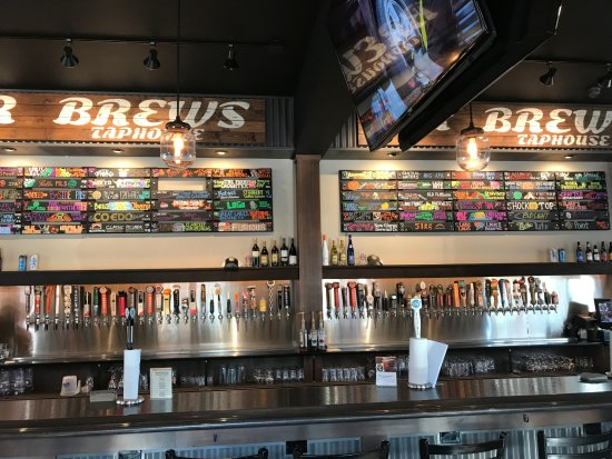 Monona, WI: Large Variety of Beers on Tap