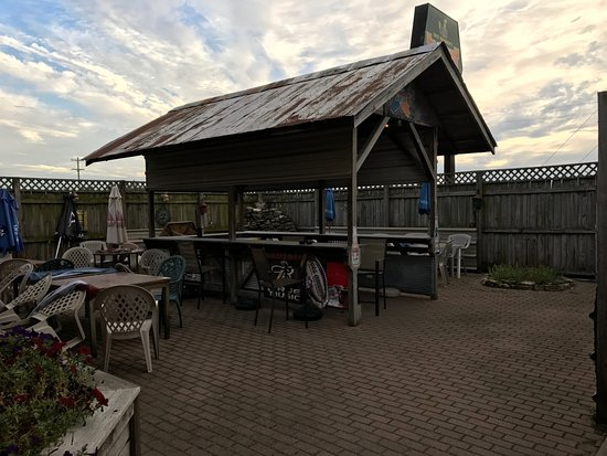 North Manchester, IN: Enjoy the outside dining!