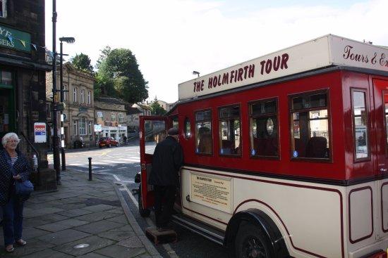 Huddersfield, UK: Cute little bus