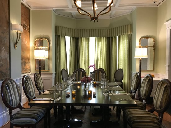 Pembroke Parish, เบอร์มิวดา: Private Dining set up in the green room