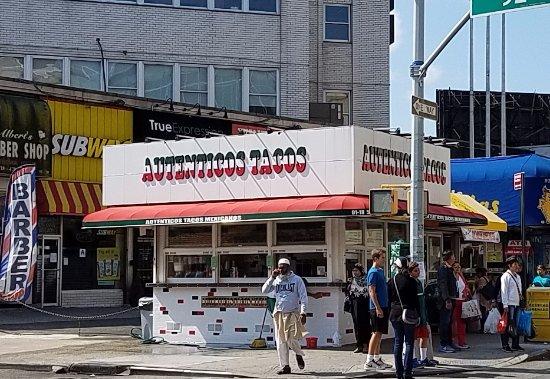 Elmhurst, Nova York: the stand