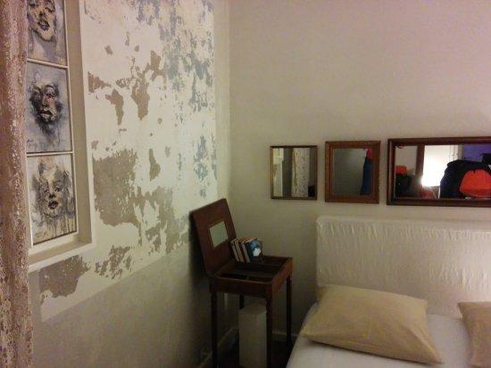 la maison bleue r z b b rez france voir les tarifs 5 avis et 5 photos. Black Bedroom Furniture Sets. Home Design Ideas
