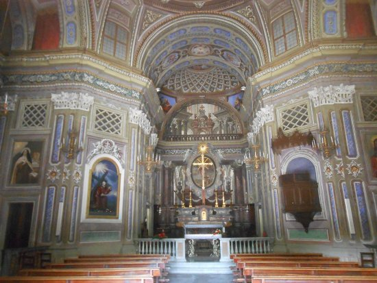 Pinerolo, Italy: Interno chiesa