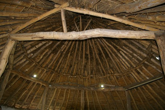 Llanddeusant, UK: Look at that roof