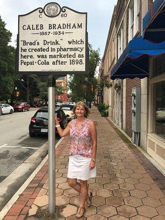 New Bern, Karolina Północna: Historical marker just outside pharmacy