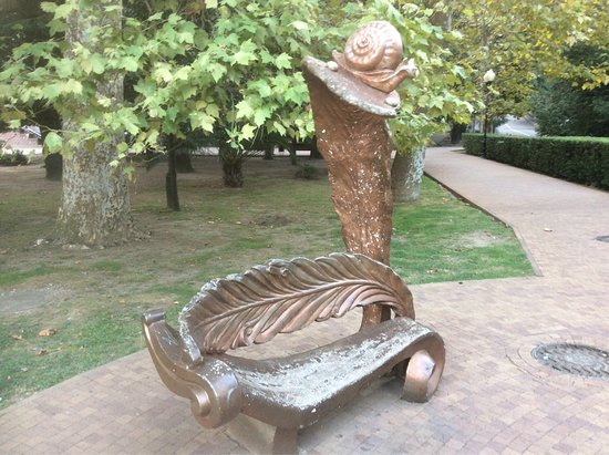 Sculpture Bench-Snail
