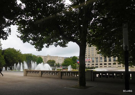Jardins de l 39 hotel de ville le havre frankrig anmeldelser for Entretien de jardin le havre