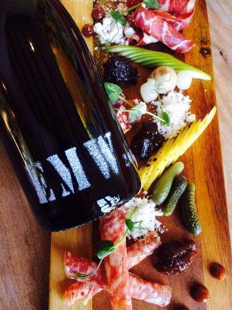 Wanaka, New Zealand: Pinot Noir & Charcuterie board - great combination