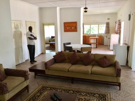 Katuba Guest House: Large multi-room family suite