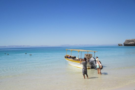 Baja Tours Mexico: One of the beaches in La Paz