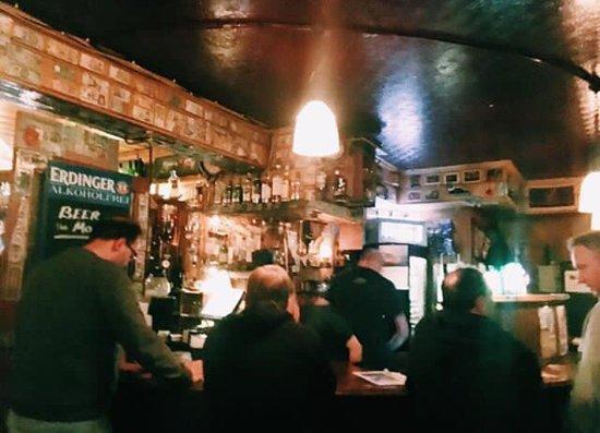 Courtney's Bar: photo0.jpg