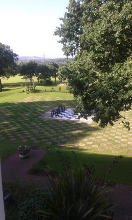 Elstree, UK: great outdoor giant chess set