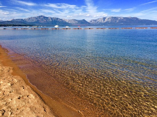 South Lake Tahoe, CA: Adjacent beach. Wow!!!