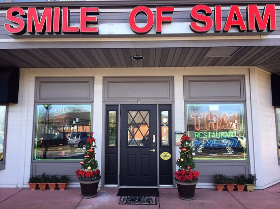 "Shorewood, IL: Smile of Siam ""Authentic Thai Restaurant""  BYOB ""Where Good Taste Meets Good Health"""