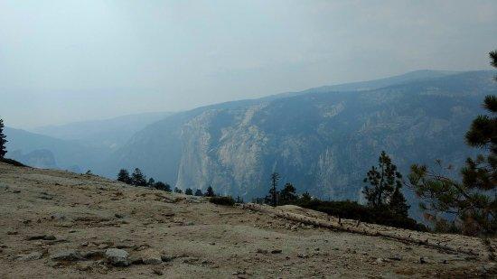 Sentinel Dome: Desgraciadamente NO se aprecia por la neblina