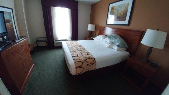 Meridian, MS: King bedroom