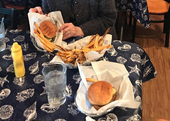 Cedar River, MI: Hirsch's Pub Grilled Hamburger and Fries